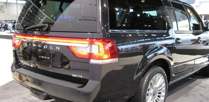 Lincoln Navigator Taillights