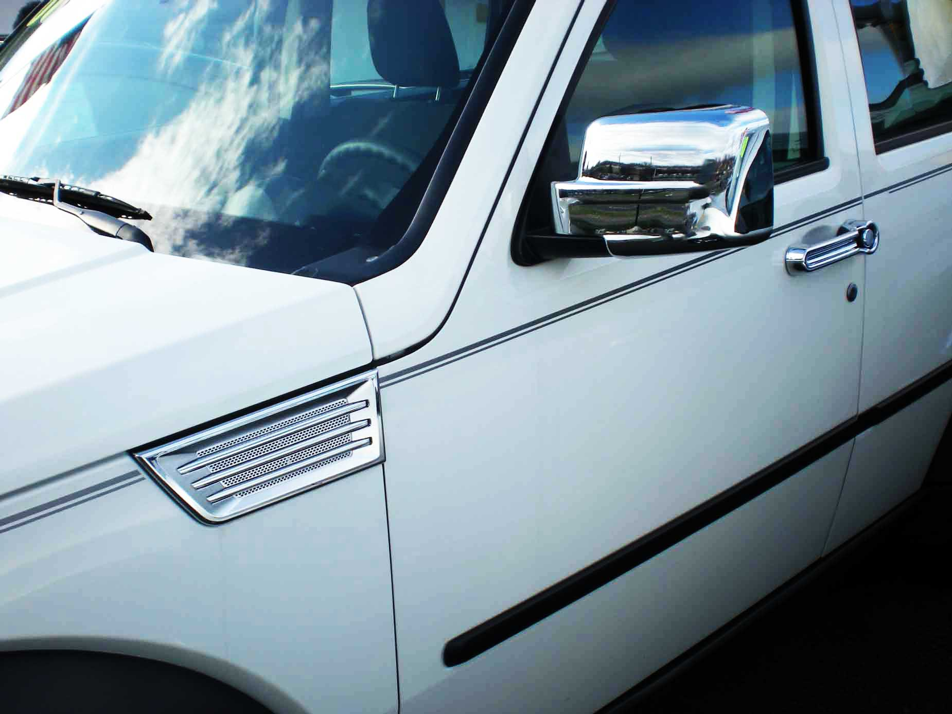 2014 Chrysler Town and Country Chrome Trim