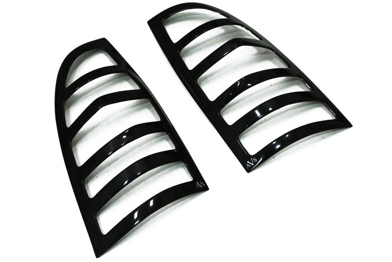 Lund Isuzu Rodeo 1998-2004 Base / Sport Tail Light Covers