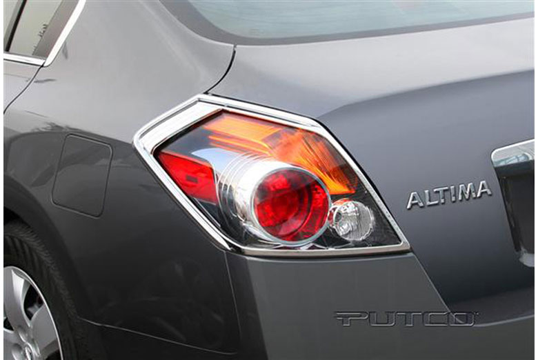 2010 Nissan Altima Tail Light Bezels